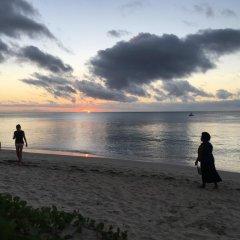 Отель Robinson Crusoe Island Фиджи, Вити-Леву - отзывы, цены и фото номеров - забронировать отель Robinson Crusoe Island онлайн пляж