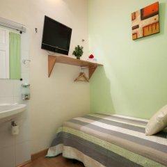 Отель Hostal Felipe 2 Стандартный номер с различными типами кроватей фото 7