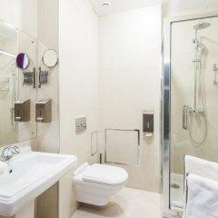 Гостиница Club Lynx в Челябинске отзывы, цены и фото номеров - забронировать гостиницу Club Lynx онлайн Челябинск ванная фото 2