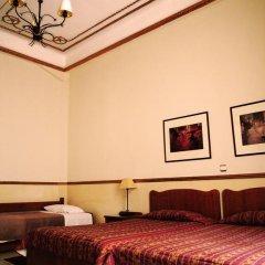 Tourist Hotel 2* Стандартный семейный номер с двуспальной кроватью фото 4