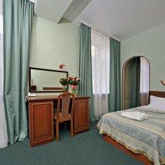 Гостиница Ярославская 3* Стандартный семейный номер с разными типами кроватей