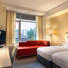 Отель Hilton Helsinki Kalastajatorppa 4* Стандартный семейный номер с разными типами кроватей фото 3