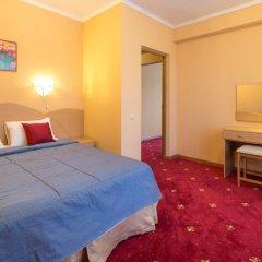 Гостиница Бригантина 3* Стандартный номер с двуспальной кроватью