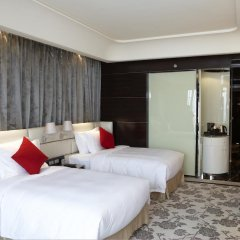 Отель Chateau Star River Guangzhou 4* Номер Делюкс с различными типами кроватей фото 7