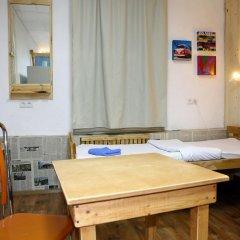 Хостел Хорошие новости Кровать в мужском общем номере с двухъярусной кроватью фото 13