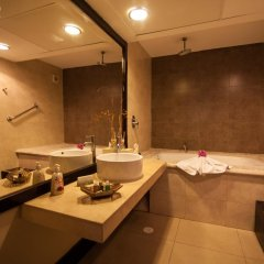 Отель Aldea Thai by Ocean Front 4* Улучшенные апартаменты фото 26
