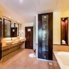 Отель Duangjitt Resort, Phuket ванная