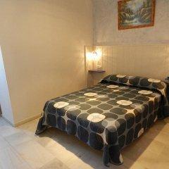 Отель Hostal El Alferez Испания, Вехер-де-ла-Фронтера - отзывы, цены и фото номеров - забронировать отель Hostal El Alferez онлайн комната для гостей