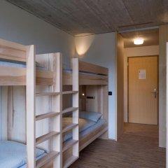 Youth Hostel Gstaad Saanenland Кровать в общем номере с двухъярусной кроватью фото 3
