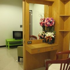 Отель Ratchadamnoen Residence 3* Улучшенные апартаменты с двуспальной кроватью фото 14