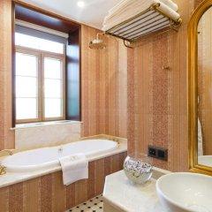 Гостиница Trezzini Palace в Санкт-Петербурге 9 отзывов об отеле, цены и фото номеров - забронировать гостиницу Trezzini Palace онлайн Санкт-Петербург ванная фото 2