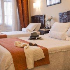 Отель Aliados 3* Номер категории Эконом с двуспальной кроватью фото 12