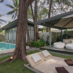 Отель SALA Phuket Mai Khao Beach Resort 5* Номер Делюкс с двуспальной кроватью фото 3