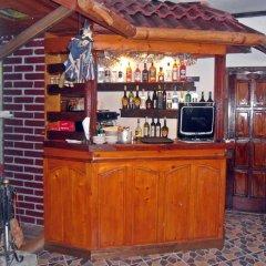Family Hotel Feniks Чепеларе гостиничный бар