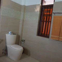Отель Thaproban Beach House 3* Улучшенный номер с двуспальной кроватью фото 15