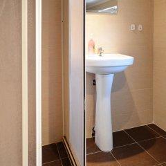 Отель Ulpia House Стандартный номер с двуспальной кроватью (общая ванная комната) фото 7