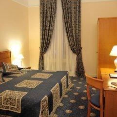 Гранд Отель Украина 5* Стандартный номер с двуспальной кроватью