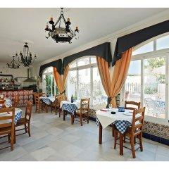 Отель Hostal La Posada Испания, Кониль-де-ла-Фронтера - отзывы, цены и фото номеров - забронировать отель Hostal La Posada онлайн питание фото 2