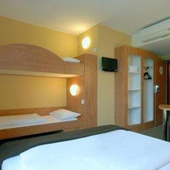 B&B Hotel Dusseldorf-Airport комната для гостей