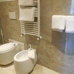 Отель Domus Laurae Италия, Рим - отзывы, цены и фото номеров - забронировать отель Domus Laurae онлайн ванная