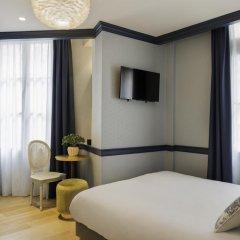 Отель Hôtel de Neuve Le Marais by Happyculture 3* Стандартный номер с двуспальной кроватью фото 9