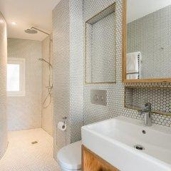 Отель MONTHOLON Париж ванная фото 2