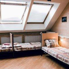 Hostel Kamin Стандартный семейный номер разные типы кроватей (общая ванная комната) фото 3