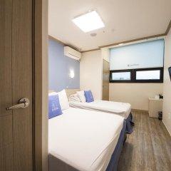 Отель K-guesthouse Sinchon 2 2* Номер Делюкс с различными типами кроватей фото 4