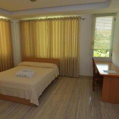 Hotel Lux Vlore сейф в номере