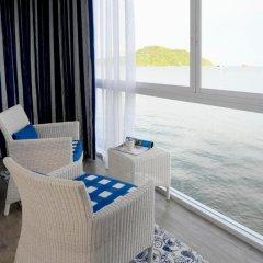Отель Phuket Boat Quay 4* Номер Делюкс разные типы кроватей фото 11