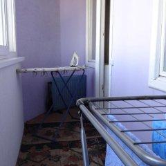 Отель у Байтик-Баатыр Кыргызстан, Бишкек - отзывы, цены и фото номеров - забронировать отель у Байтик-Баатыр онлайн балкон