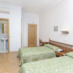 Отель Hostal Biarritz Испания, Мадрид - отзывы, цены и фото номеров - забронировать отель Hostal Biarritz онлайн комната для гостей фото 3