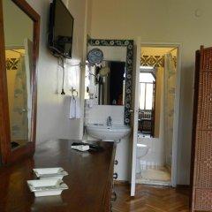 Отель Berk Guesthouse - 'Grandma's House' 3* Стандартный семейный номер с двуспальной кроватью фото 20