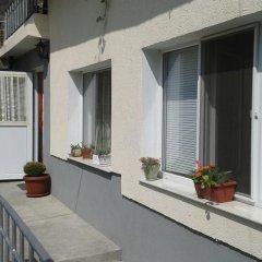 Отель Bonevi Guest House Болгария, Боженци - отзывы, цены и фото номеров - забронировать отель Bonevi Guest House онлайн балкон