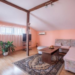 Апартаменты Eli Apartments - Different locations in Sarafovo, Bourgas комната для гостей