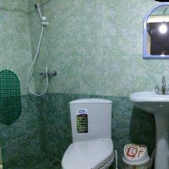 Гостиница Family House в Архызе отзывы, цены и фото номеров - забронировать гостиницу Family House онлайн Архыз ванная