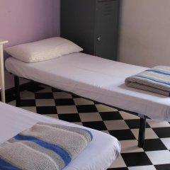Hostel New York Стандартный номер с 2 отдельными кроватями (общая ванная комната)