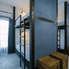 Отель Pause Kathu Кровать в общем номере фото 7