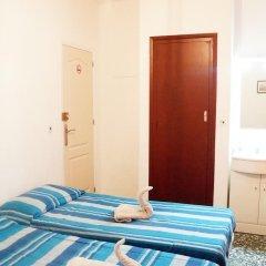 Отель Pension Centricacalp Стандартный номер с различными типами кроватей (общая ванная комната)
