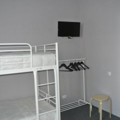 Хостел Кукуруза Кровать в общем номере двухъярусные кровати фото 2