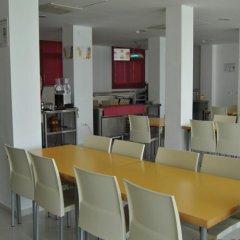 Отель Albergue Inturjoven Jerez De La Frontera Испания, Херес-де-ла-Фронтера - отзывы, цены и фото номеров - забронировать отель Albergue Inturjoven Jerez De La Frontera онлайн питание фото 3
