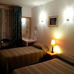 Отель Star Hôtel 2* Стандартный номер с различными типами кроватей фото 8
