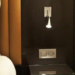 Отель Sevres Montparnasse сейф в номере