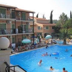 Philippos Hotel бассейн