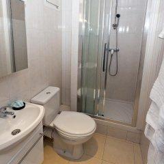 Отель Hipotel Paris Belleville Pyrenees 3* Стандартный номер фото 3