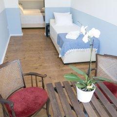 Отель Lisbon Check-In Guesthouse 3* Стандартный номер с различными типами кроватей фото 2