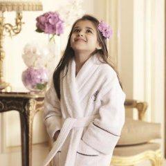 Four Seasons Hotel Singapore 5* Улучшенный номер с различными типами кроватей фото 10