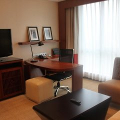 Отель Crowne Plaza Chongqing Riverside 4* Номер Делюкс с двуспальной кроватью фото 4