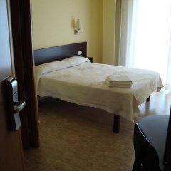 Отель Hostal Sant Sadurní Стандартный номер с двуспальной кроватью фото 14