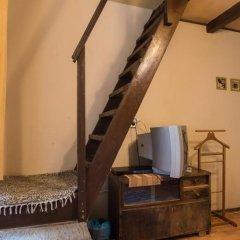 Home Made Hostel Стандартный номер с двуспальной кроватью (общая ванная комната) фото 6